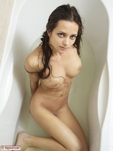 Mercedes Soapy Shower3