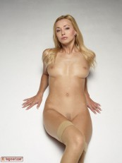 Coxy Blond Dream 02