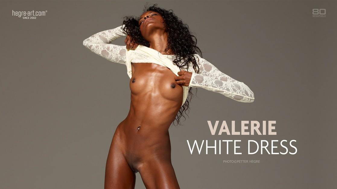 ValerieWhiteDress-1117x630 Hegreart poster