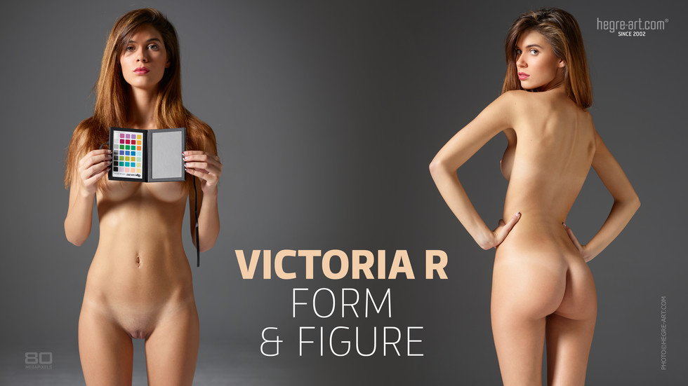 VictoriaR FormAndFigure  photo Petter Hegre