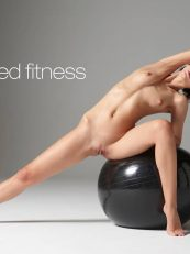 Hegre video – Ariel Naked Fitness